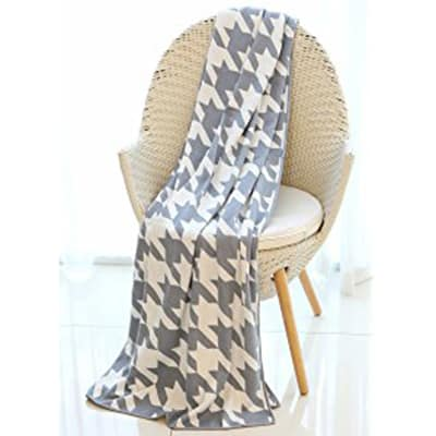 Mika Home geometric pattern cozy throw blanket Picture